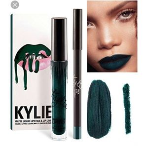 Brand New Kylie Trick Lip Kit